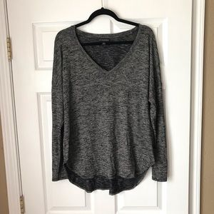 Rock&Republic gray long sleeve high low v neck top